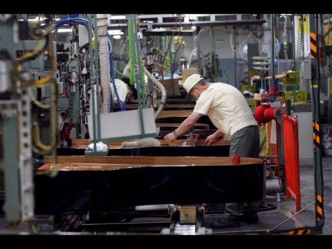 """Lavoro: """"Retribuzioni si salvaguardano con contrattazione collettiva"""