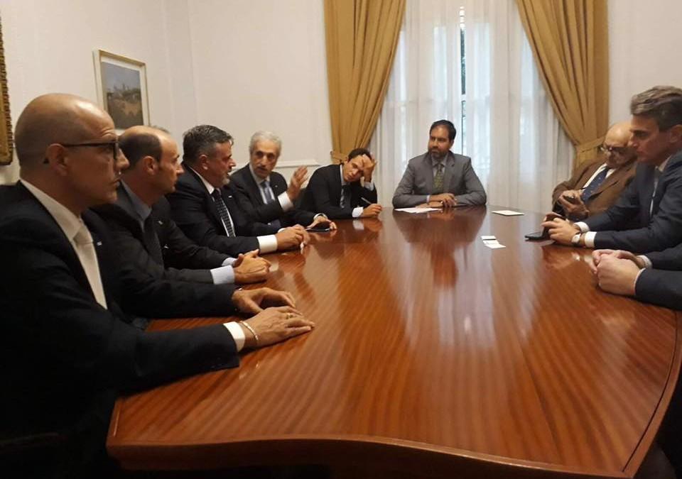 Delegazione Ugl ricevuta all'Ambasciata italiana dal Ministro Consigliere, Stefano Canzio