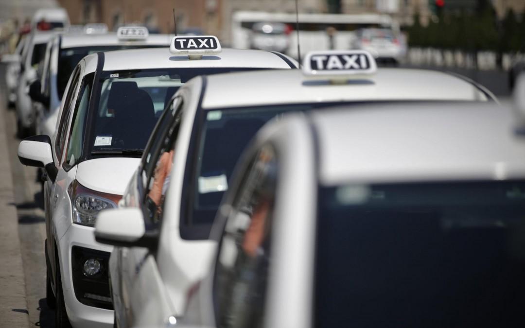 Taxi: Proposte Governo inaccettabili, la nostra protesta è solo all'inizio