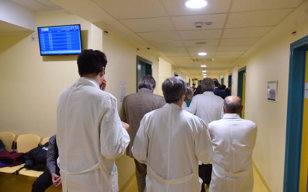 """Università, """"i giovani dimenticati, mentre in Italia c'è bisogno di migliaia di medici"""""""