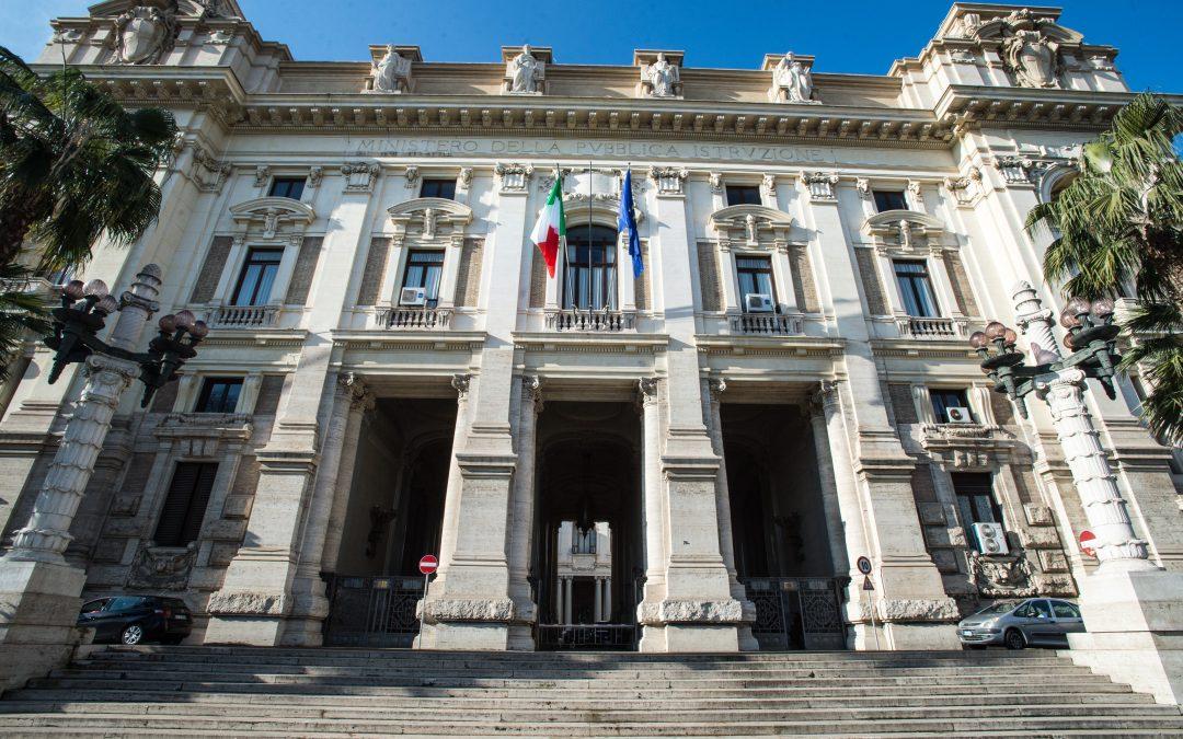 """Miur, Sparano: """"Urgono nuove assunzioni  tra il personale amministrativo centrale e periferico"""""""