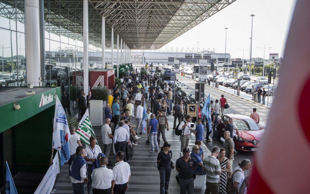 """TRASPORTO AEREO, SINDACATI: """"URGENTE CONVOCAZIONE INTERMINISTERIALE"""""""