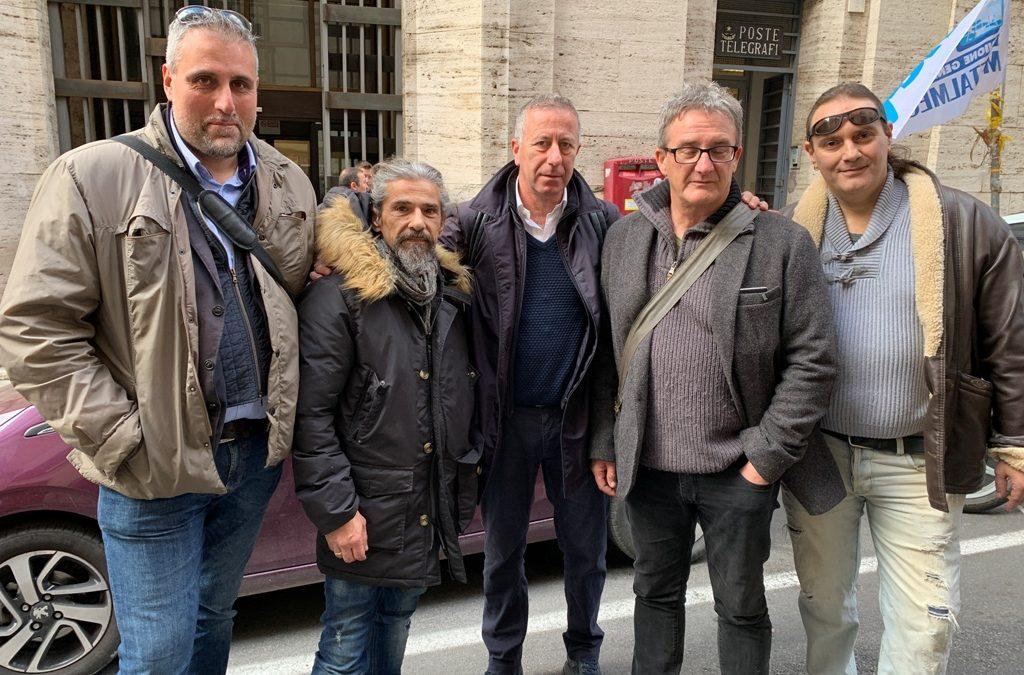 """ex Lucchini Piombino, Spera: """"Tutto ancora in alto mare!"""""""