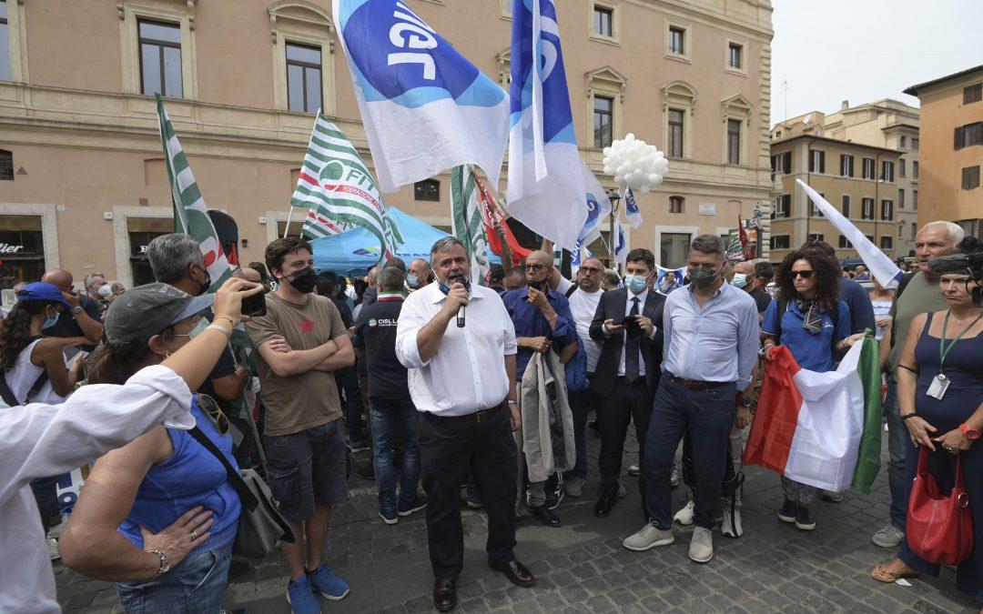 """Alitalia, Capone-Alfonsi: """"Assurdo fare pagare conto inefficienze ai lavoratori"""""""